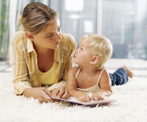 Женщины меняют интонацию, разговаривая с детьми