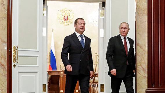 Илья Гращенков: Медведев готовится пойти в президенты