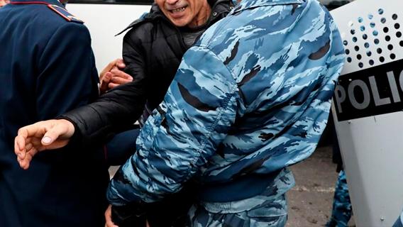 Кто стоит за погромами в Южном Казахстане?