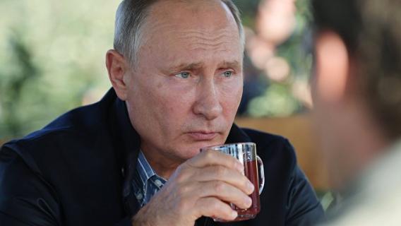 «Могут предать Путина в любой момент»: историк назвал главную угрозу транзита власти