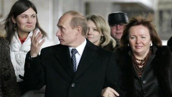 СМИ сообщили о «тайной семье и третьей дочери» российского президента Путина